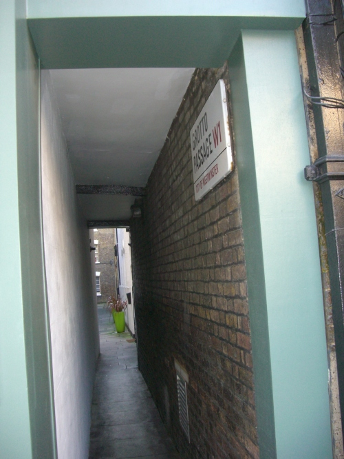 Grotto Passage, W1