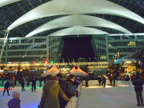 Skating and curling rinks at the Winter Market Munich Airport