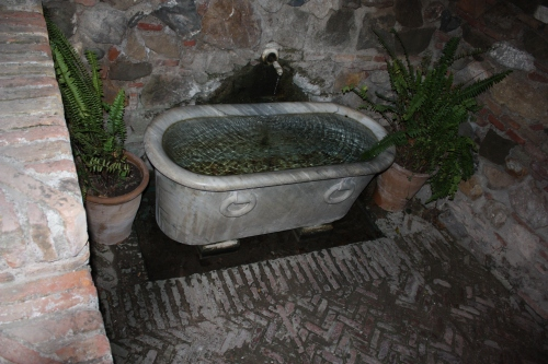 Tub at Alcazaba