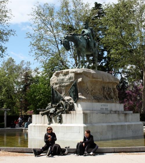 Statue in Parque del Buen Retiro, Madrid