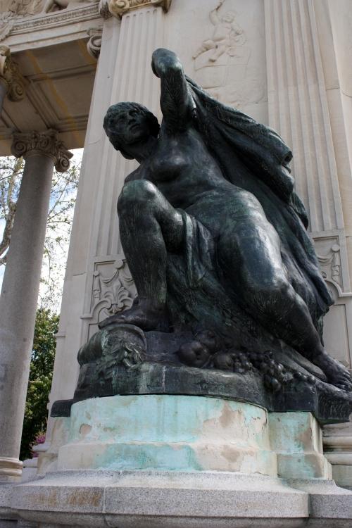Statue, Parque del Buen Retiro, Madrid