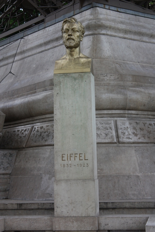 Statue dedicated to Gustave Eiffel, Paris
