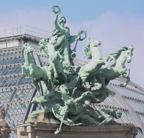 Paris has so many gorgeous statues ~ an outdoor museum